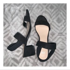 H&M black sandals with 2 1/2 in heels. Size 7